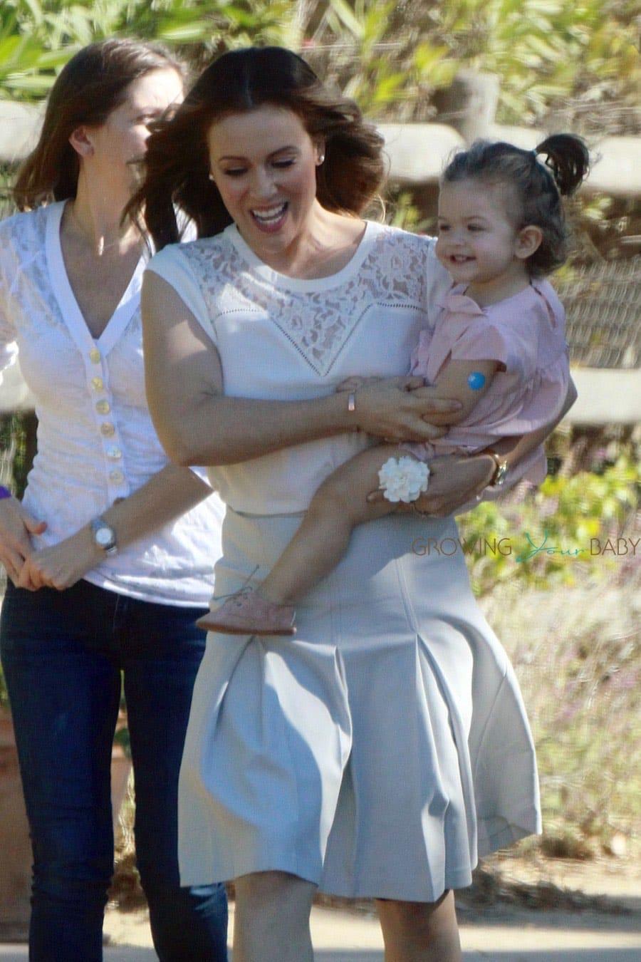 Alyssa Milano On Set With Her Daughter Elizabella Growing