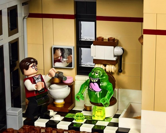 Ghostbusters Firehouse Set 75827 - bathroom