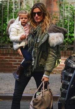 Gisele Bundchen returns home with daughter Vivian Brady after dinner at Extra Virgin
