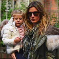Gisele Bundchen Steps Out With Vivian in NYC
