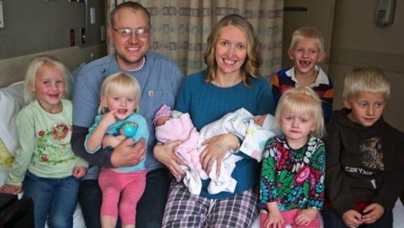 Montana mom welcomes 3 sets of twins