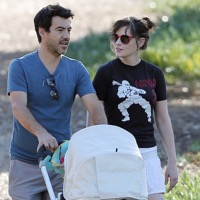 New parents Zooey Deschanel & Jacob Pechenik Step Out With Their Daughter