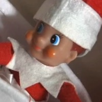 7-year-old Girl Knock Elf On The Shelf On The Floor, Calls 911