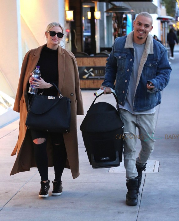 Ashlee Simpson and Evan Ross Take Jagger Out For Lunch