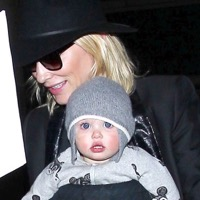 Cate Blanchett Arrives to LAX With Daughter Edith!