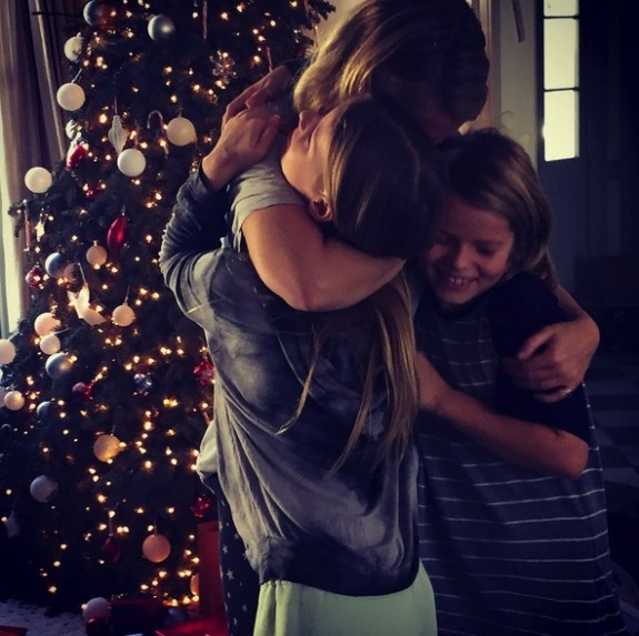 Gwyneth Paltrow with kids Apple and Moses Martin Christmas 2015