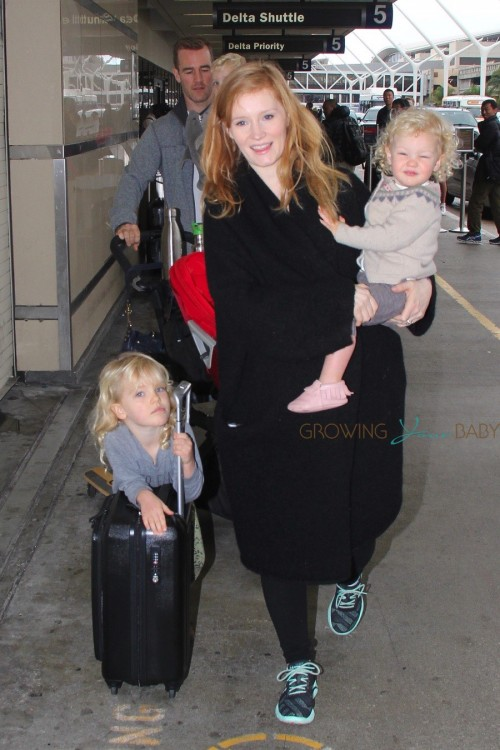 James Van Der Beek & wife Kimbery with kids Annabel, Olivia and Joshua at LAX