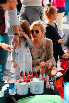 Sienna Miller Spends Sunday At The Market With Marlowe Sturridge