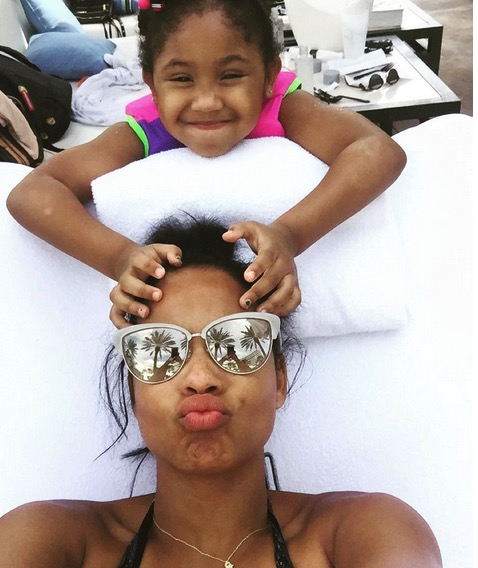 Fabulous Christina Milian Enjoys A Beach Day With Her Daughter Violet In Hairstyles For Women Draintrainus