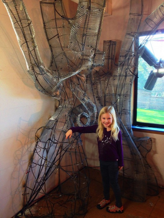 Dad Creates Magical Treehouse in Daughter's Room - MESH