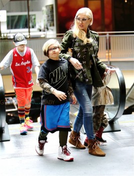 Gwen Stefani arrives at the movies with sons Apollo, & Zuma Rossdale