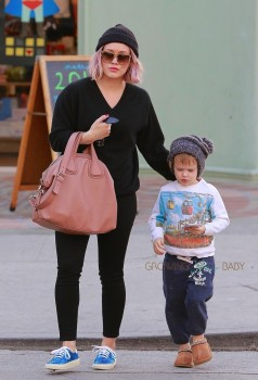 Hilary Duff & son Luca stop by Starbucks