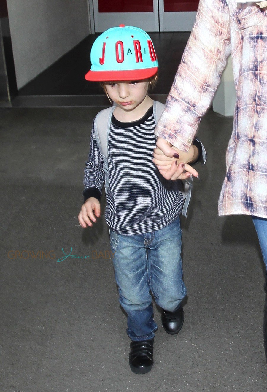 Kate Hudson Arrives At Lax With Son Bing Bellamy Growing