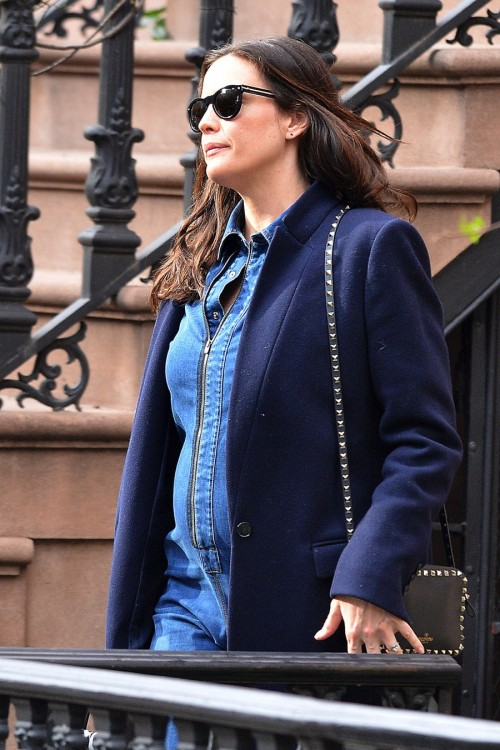 Pregnant Liv Tyler leaves her townhouse in NYC