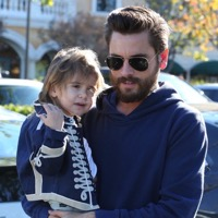 Scott Disick Steps Out With Mason & Penelope