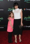 Constance Zimmer walks the red carpet at the Zootopia premiere with her daughter