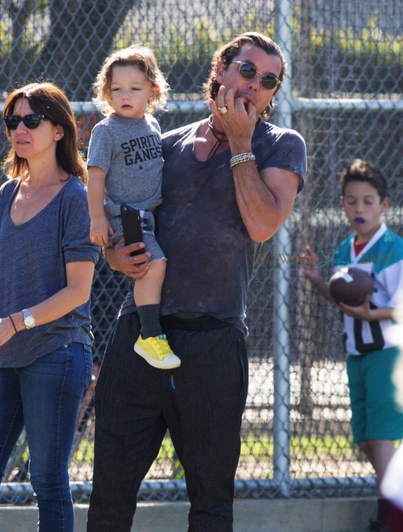 Gavin Rossdale with  Apollo At son Zuma's Soccer Practice