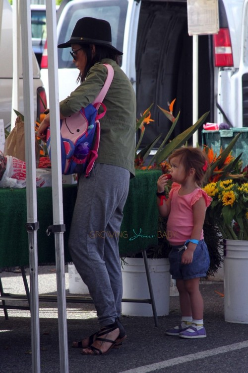 Jenna Dewan spends the day at the farmers market with her daughter Everly Tatum