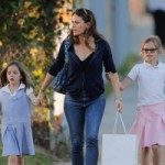 Jennifer Garner out in Santa Monica with daughters Violet and Seraphina Affleck t