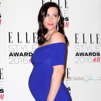 Mom-to-be Liv Tyler Glows At The Elle Style Awards!