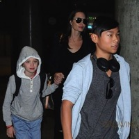 Angelina Jolie Arrives In LA With Her Kids