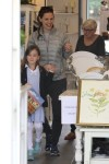 Jennifer Garner goes shopping with daughter Seraphina