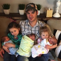 Community Comes Together For Father After Kansas Woman Dies Following Triplet Birth