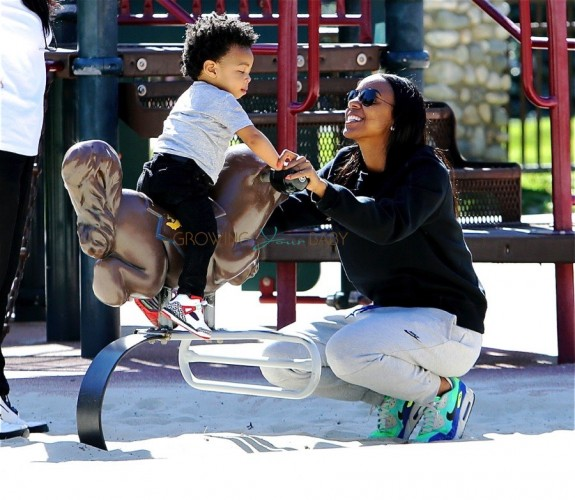 Kelly Rowland Takes Her son Titan to the Park
