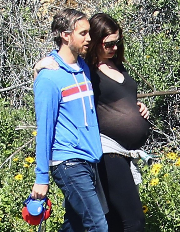 Pregnant Anne Hathaway hikes in Runyon Canyon with husband Adam Shulman