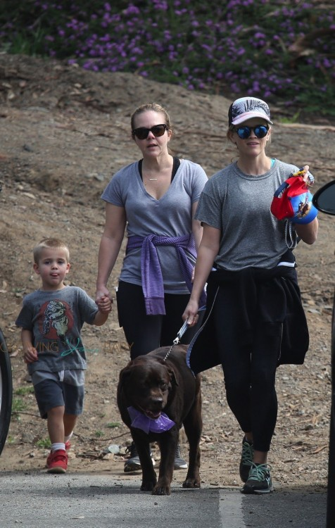 Reese Witherspoon hike the Santa Monica Hills with her kids Ava Phillippe and Tennessee