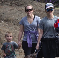 Reese Witherspoon Hikes The Santa Monica Hills With Her Kids