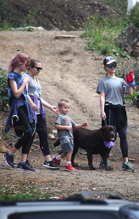 Reese Witherspoon hike the Santa Monica Hills with her kids Ava and Tennessee