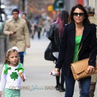 Bethenny Frankel Grabs Fro-Yo with Bryn