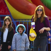 Isla Fisher Visits The Market With Her Trio!