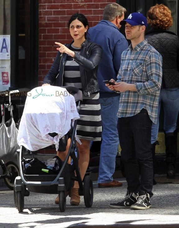 Benjamin McKenzie and Morena Baccarin Out With Their Daughter Frances