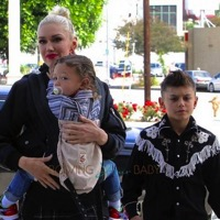 Gwen Stefani Attends Church With Her Family!