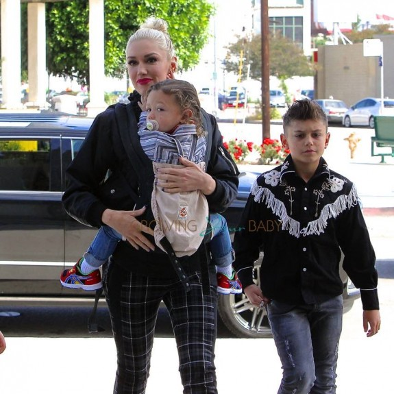 Gwen Stefani leaves church with her kids Kingston & Apollo Rossdale