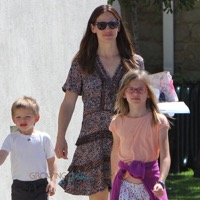 Jennifer Garner Attends Church With Her Kids on Her Birthday