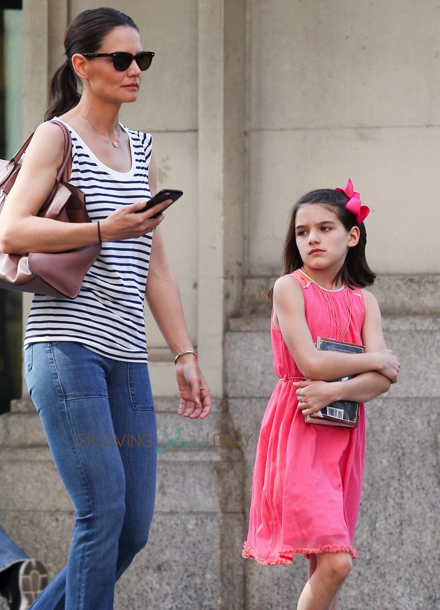Katie Holmes And Suri Cruise Out In The City On Suri S