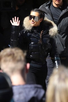 Kim Kardashian Shops in Vail Colorado