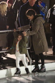 Kourtney Kardashian takes her daughter Penelope Skating in Vail Colorado