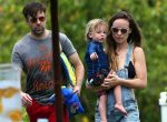 Olivia Wilde & Jason Sudeikis Spend The Day With Their Son On The Beach In Maui