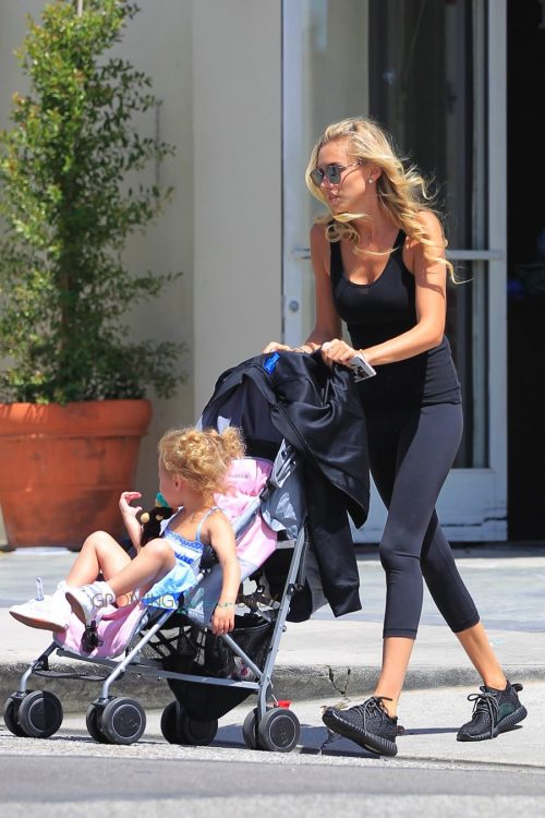Petra Eccleston Stunt with her daughter Lavinia out in LA