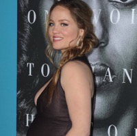 Erika Christensen Debuts Her Growing Belly At Premiere of Confirmation