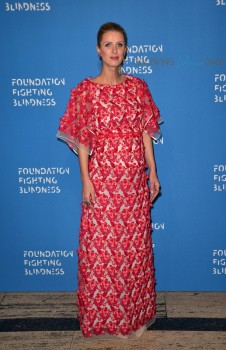 Pregnant Nicky Hilton Rothschild on the red carpet at the 2016 Foundation Fighting Blindness World Gala