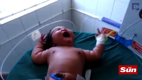 Indian Mom delivers 15lbs baby girl