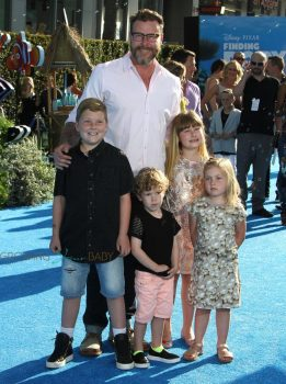Dean McDermott with kids Stella, Liam, Finn and Hattie at the Finding Dory Premiere