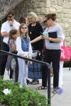 Jennifer Garner at church with daughters Violet and Seraphina affleck