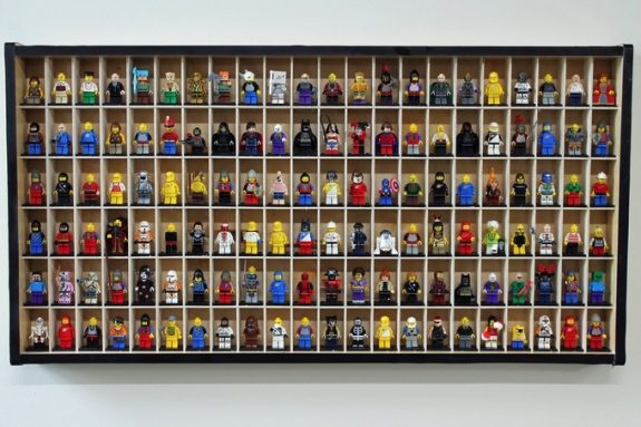 Larscraft lego figure display