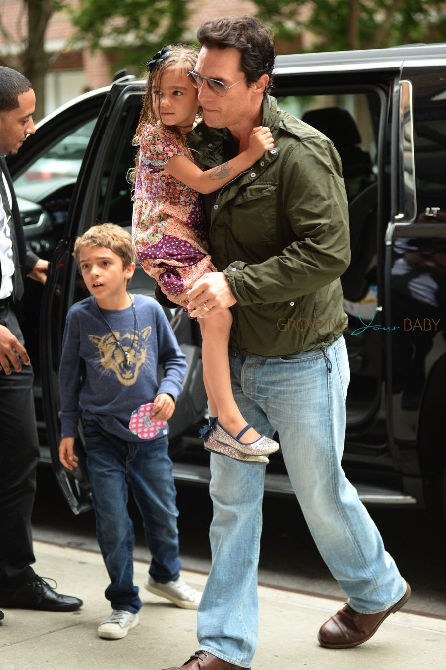 Matthew Mcconaughey Steps Out In Nyc With Kids Levi And
